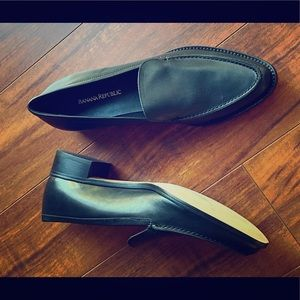 Banana Republic black leather loafers